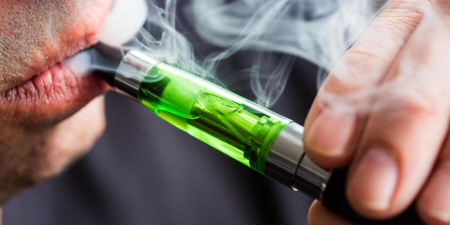 Un hombre denuncia la explosión de la batería de un cigarrillo electrónico